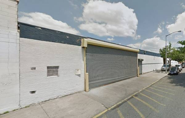 Industrial Warehouse For Lease -